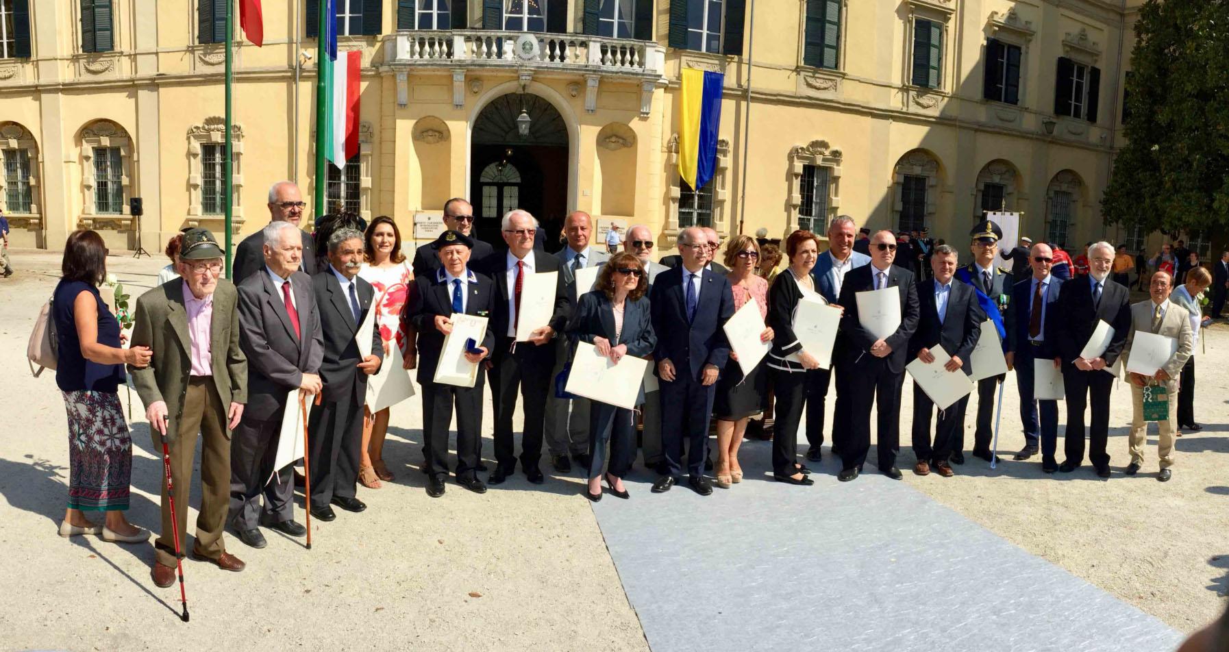 Rosolino pomi nominato cavaliere all ordine della for Senatori della repubblica italiana nomi